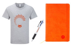 Футболка, ручка и блокнот в стиле Ubuntu 13.04